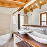 Junior-Suite-Superior-11-bathroom_01.jpg